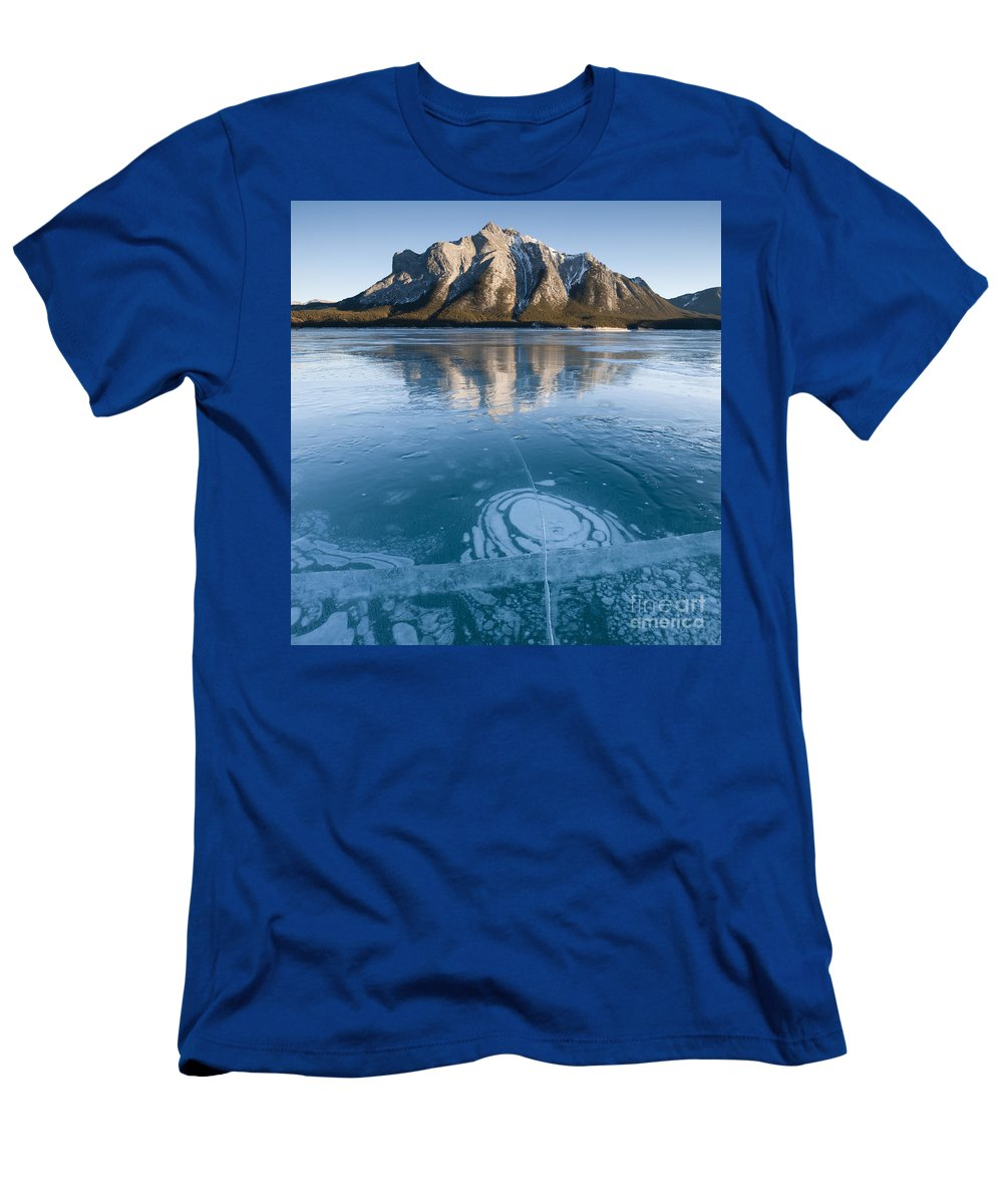 Nature Men's T-Shirt (Athletic Fit) featuring the photograph Mt. Michener And Ice On Abraham Lake by John Shaw