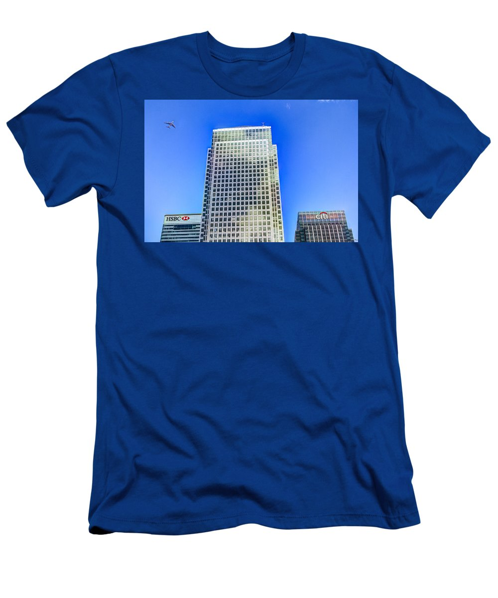 Jet Men's T-Shirt (Athletic Fit) featuring the photograph Canary Wharf London by David Pyatt