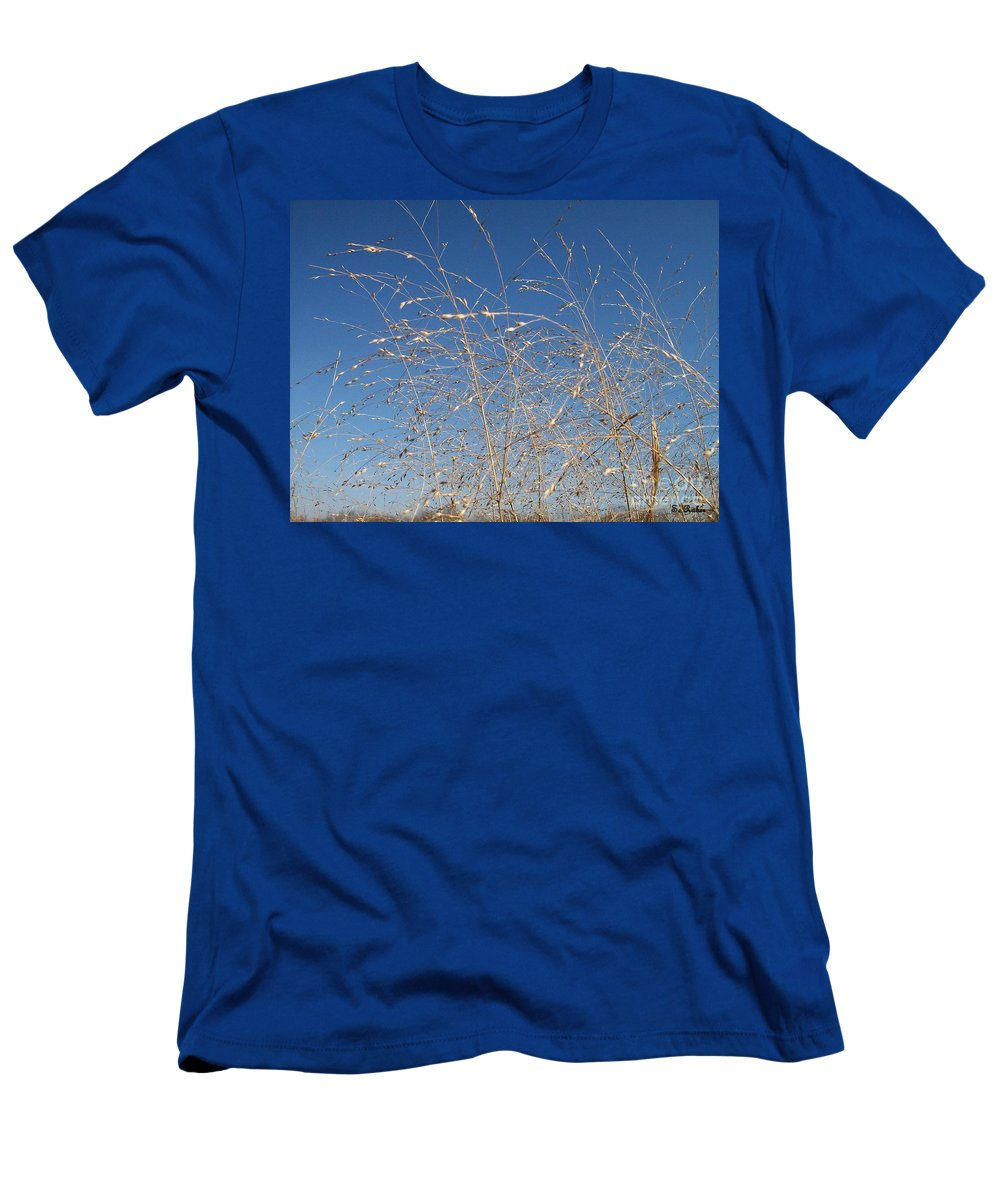 Wind Men's T-Shirt (Athletic Fit) featuring the photograph Breeze by Sara Raber