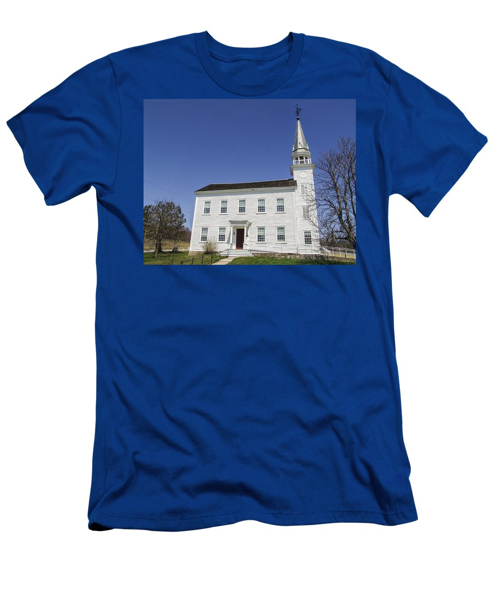 Westerlo Men's T-Shirt (Athletic Fit) featuring the photograph Church In Westerlo by Eric Swan