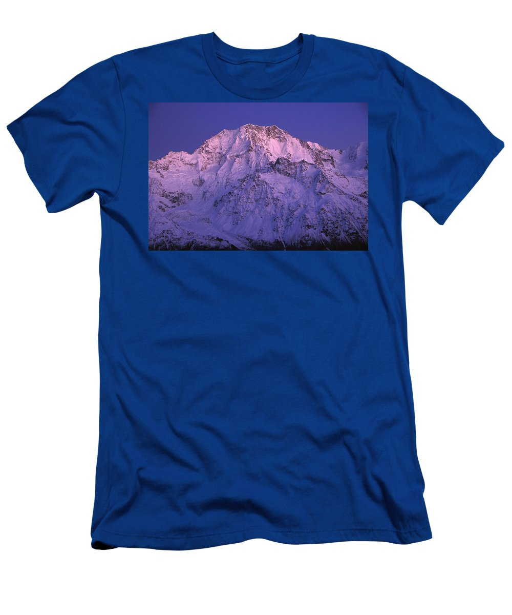 Feb0514 Men's T-Shirt (Athletic Fit) featuring the photograph Eastern Side Of Mt Cook Pre-dawn by Colin Monteath
