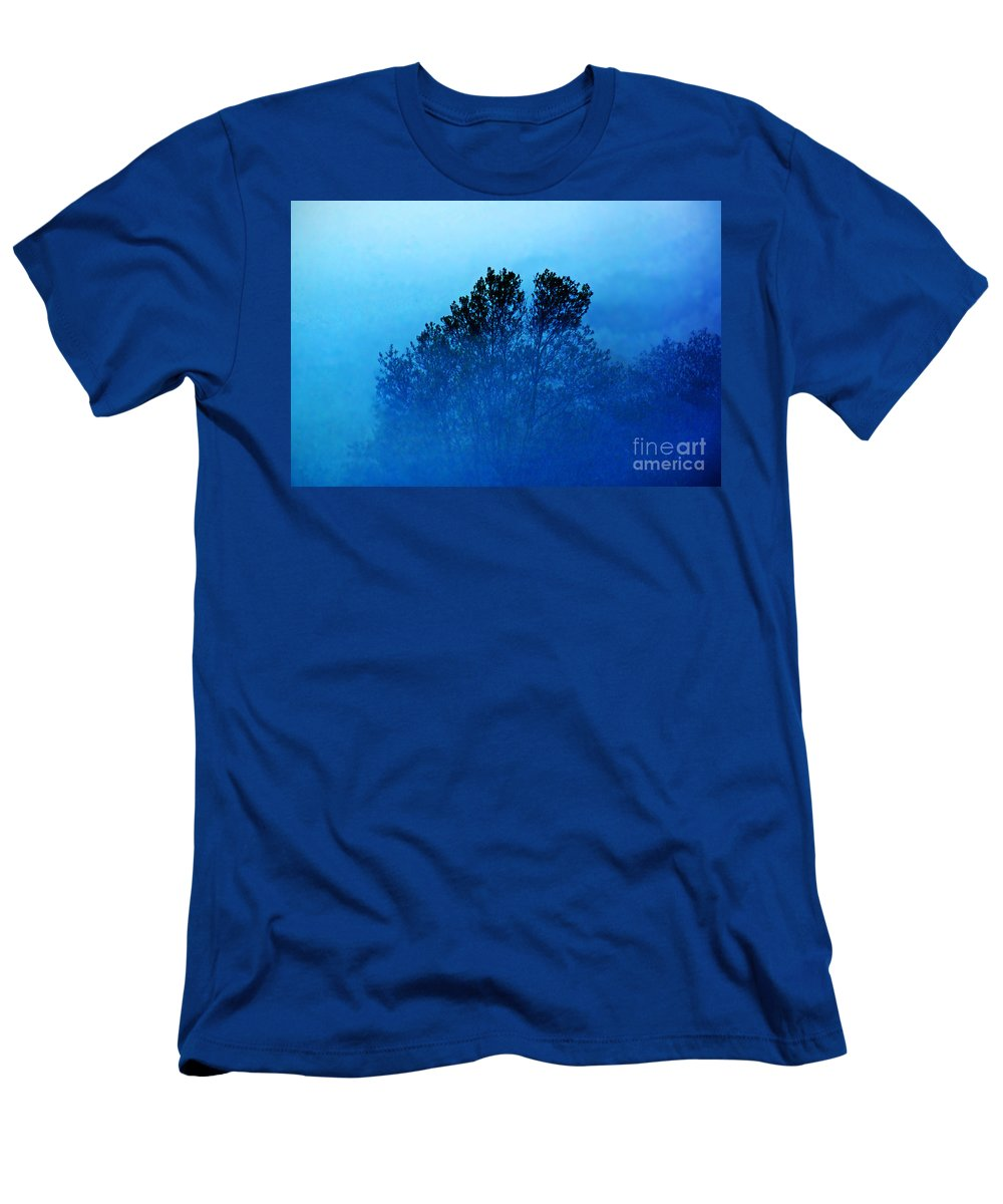 Tree. Color Men's T-Shirt (Athletic Fit) featuring the photograph Fogged Out by Joe Geraci