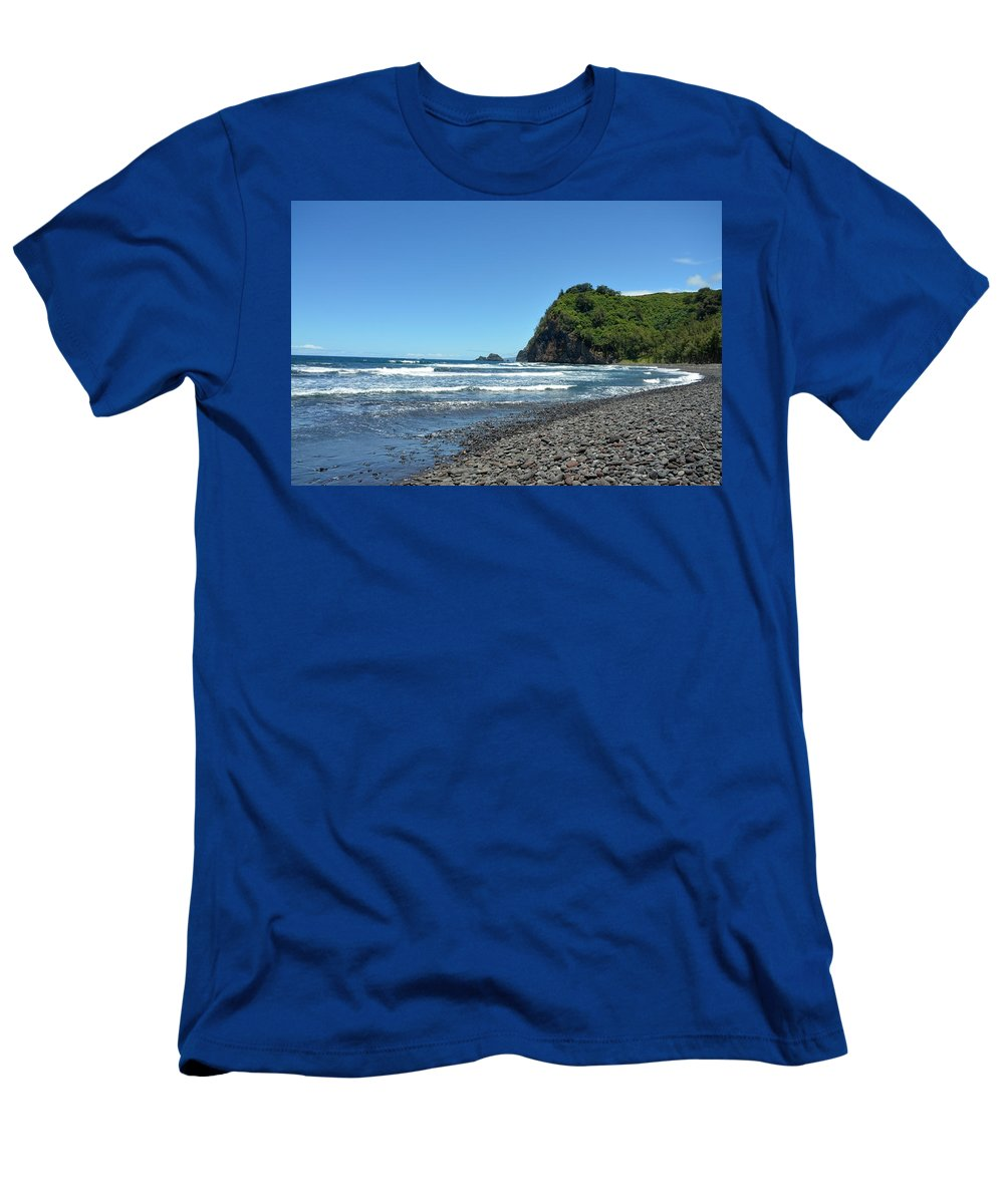 Kona Men's T-Shirt (Athletic Fit) featuring the photograph North Kona Coast 3 by Amy Fose