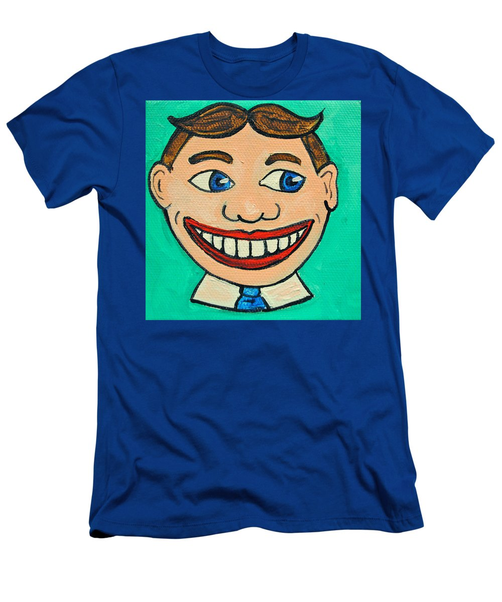 Tillie T-Shirt featuring the painting Lookin right Tillie by Patricia Arroyo
