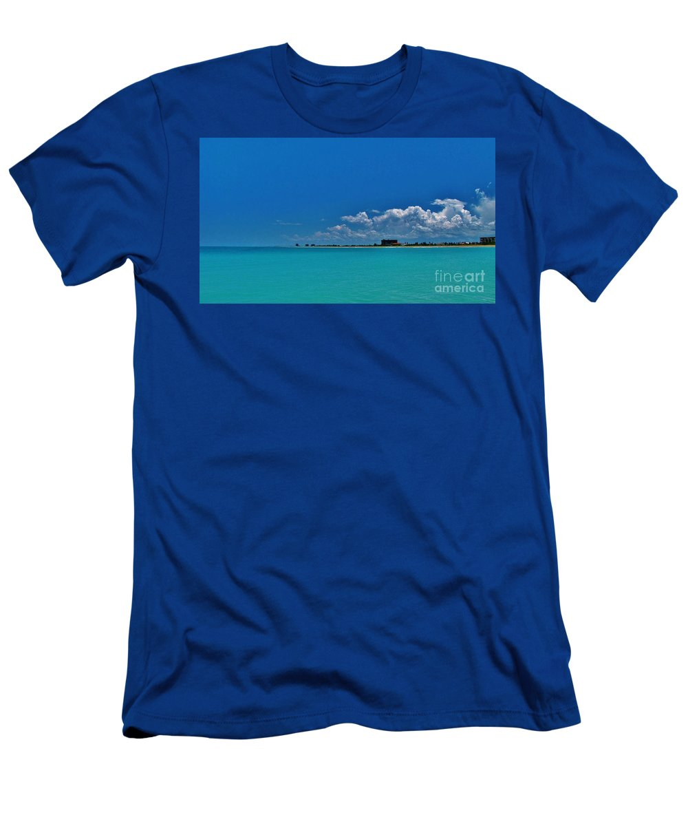 Kerisart Men's T-Shirt (Athletic Fit) featuring the photograph Off The Grid by Keri West