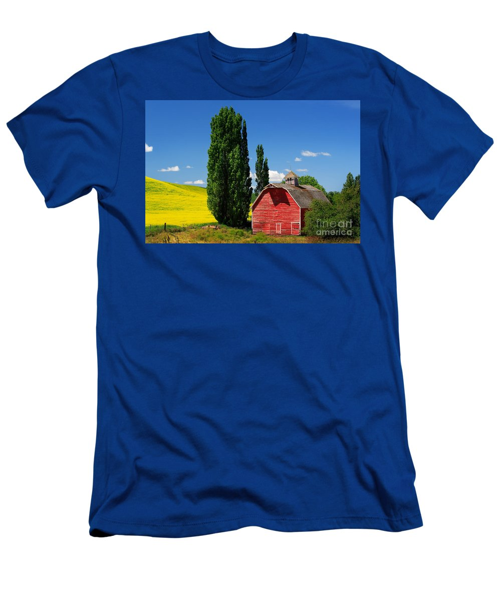 America Men's T-Shirt (Athletic Fit) featuring the photograph Palouse Weathered Barn by Inge Johnsson
