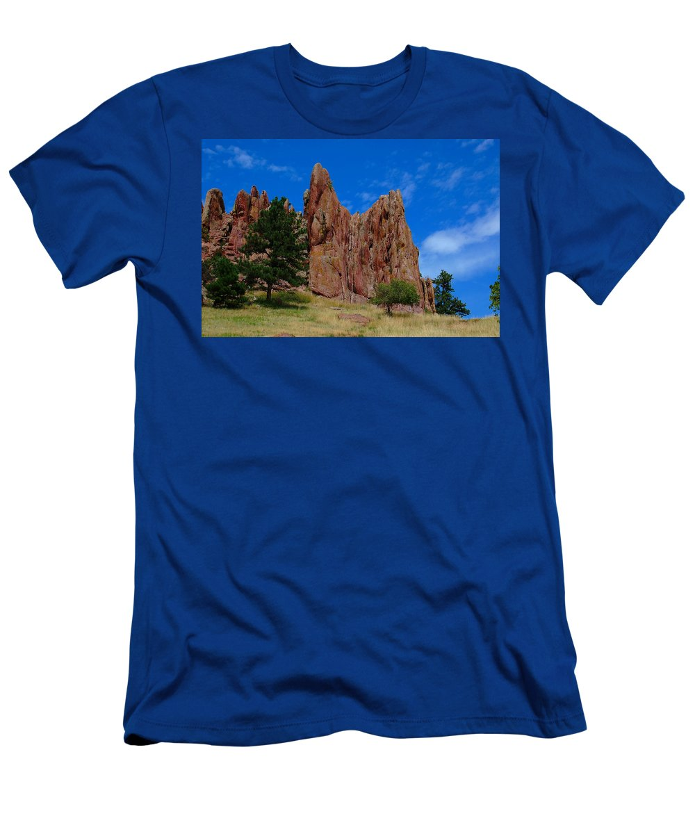 Boulder Men's T-Shirt (Athletic Fit) featuring the photograph Reaching To Heaven by Kim Blaylock
