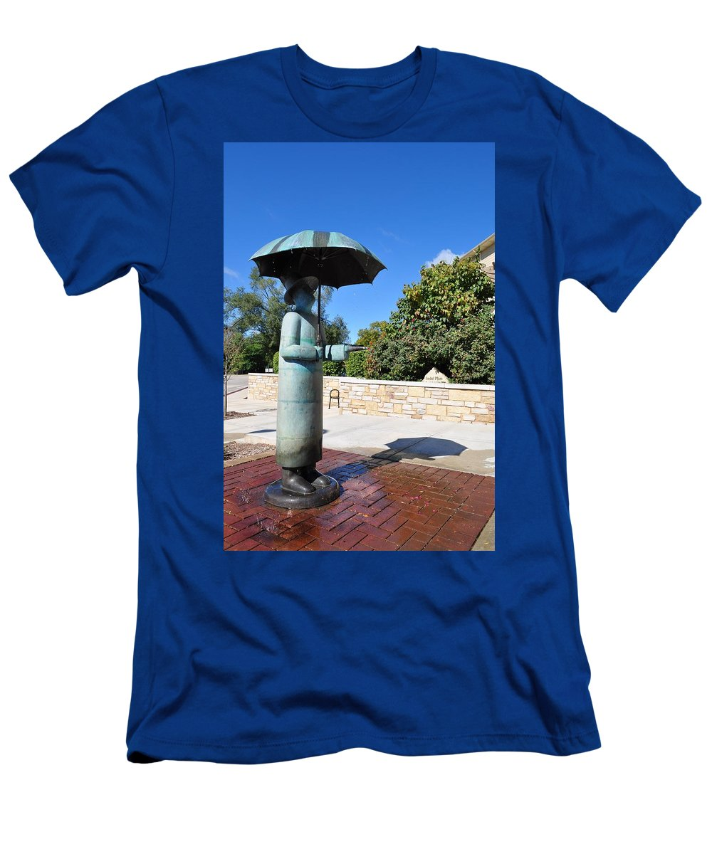 Sun Men's T-Shirt (Athletic Fit) featuring the photograph Singing In The Sun by Thomas Shockey
