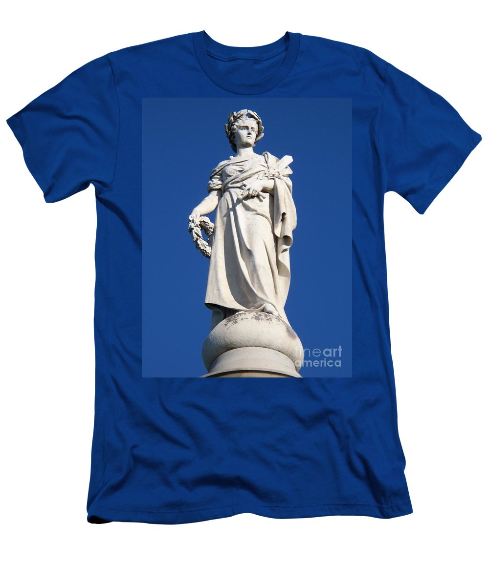 Soliders Men's T-Shirt (Athletic Fit) featuring the photograph Statue Gettysburg by Eric Schiabor