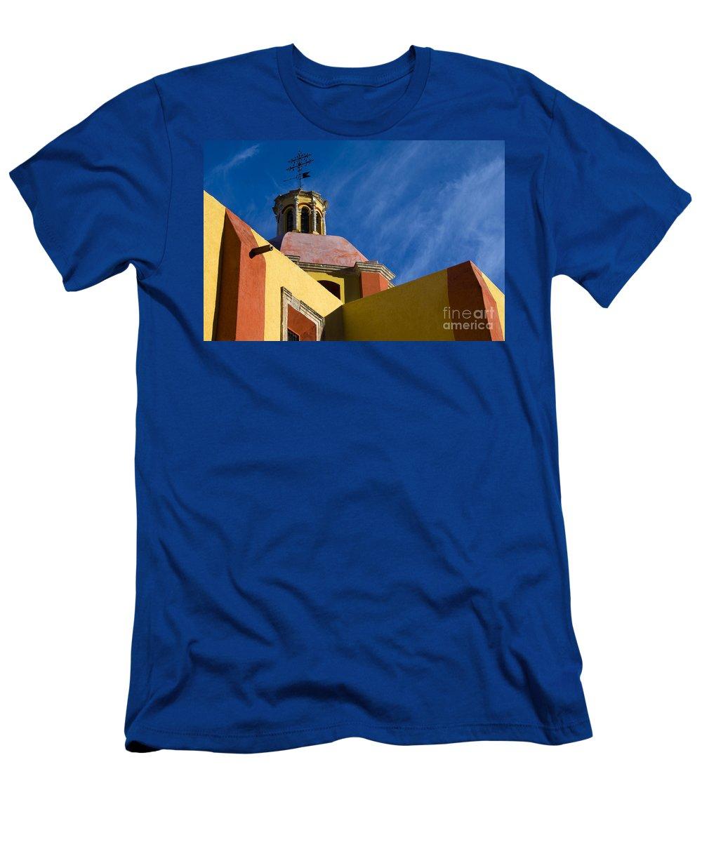 Guanajuato Men's T-Shirt (Athletic Fit) featuring the photograph Templo De San Roque, Mexico by John Shaw