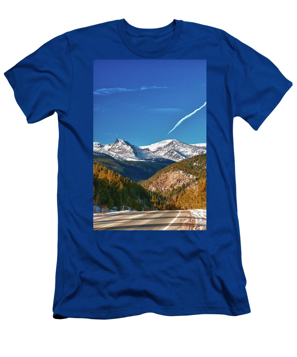Guy Whiteley Photography Men's T-Shirt (Athletic Fit) featuring the photograph Very Thin Air by Guy Whiteley