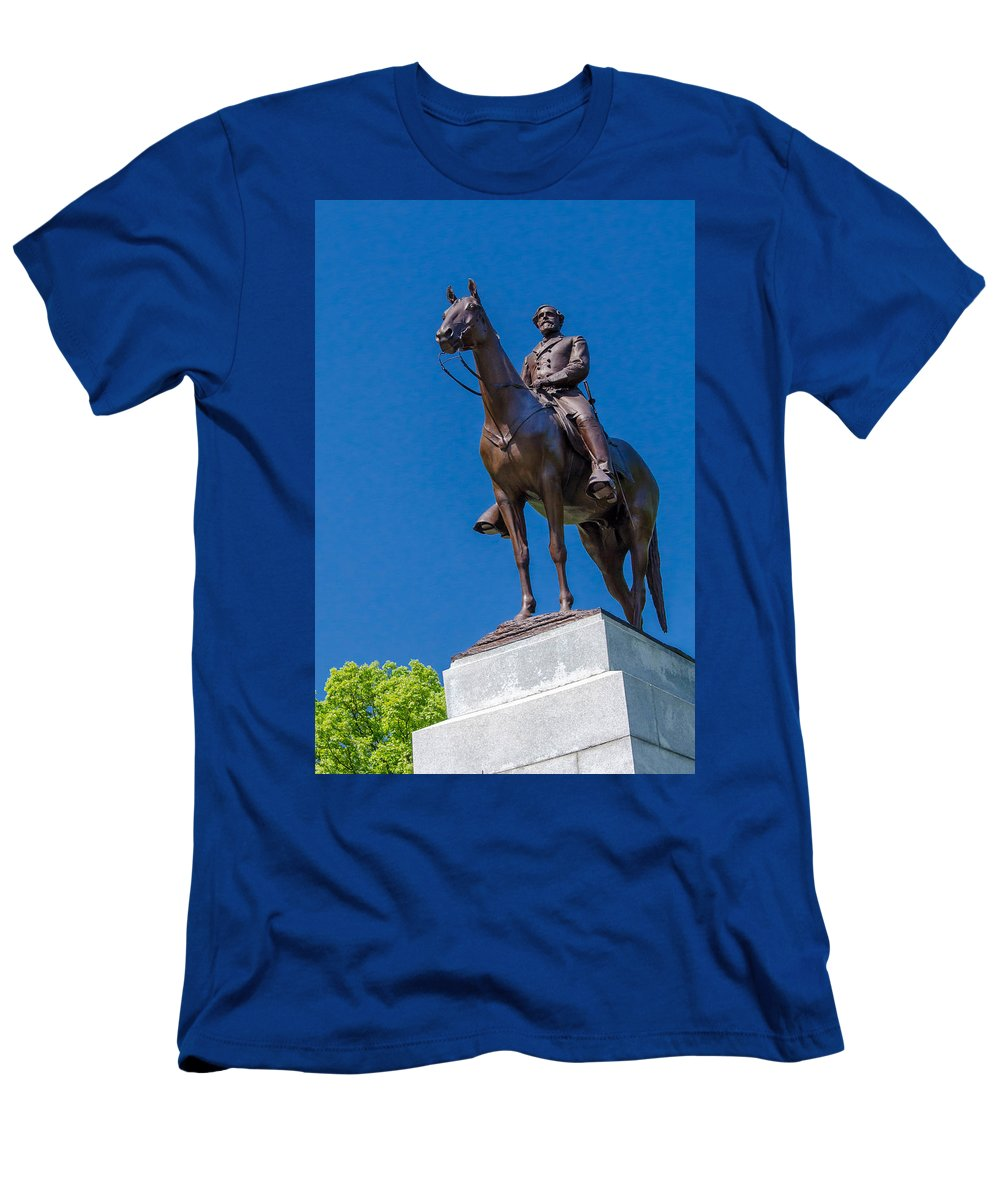 Civil War Men's T-Shirt (Athletic Fit) featuring the photograph Virginia State Memorial 7d02297 by Guy Whiteley