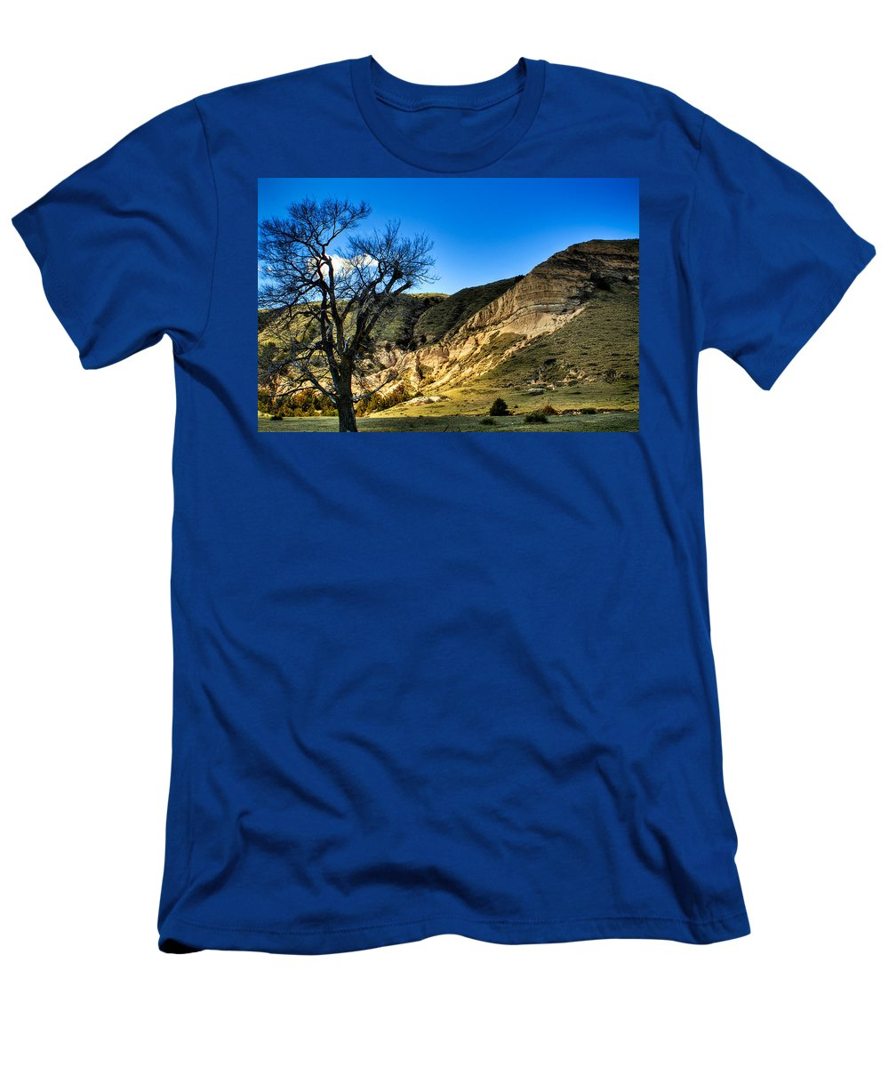 Western Men's T-Shirt (Athletic Fit) featuring the photograph Western Nebraska by Roger Passman