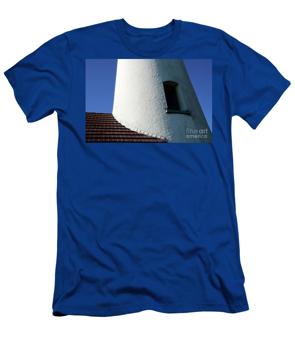 Pacific Ocean Men's T-Shirt (Athletic Fit) featuring the photograph Cape Blanco Detail by Bob Christopher