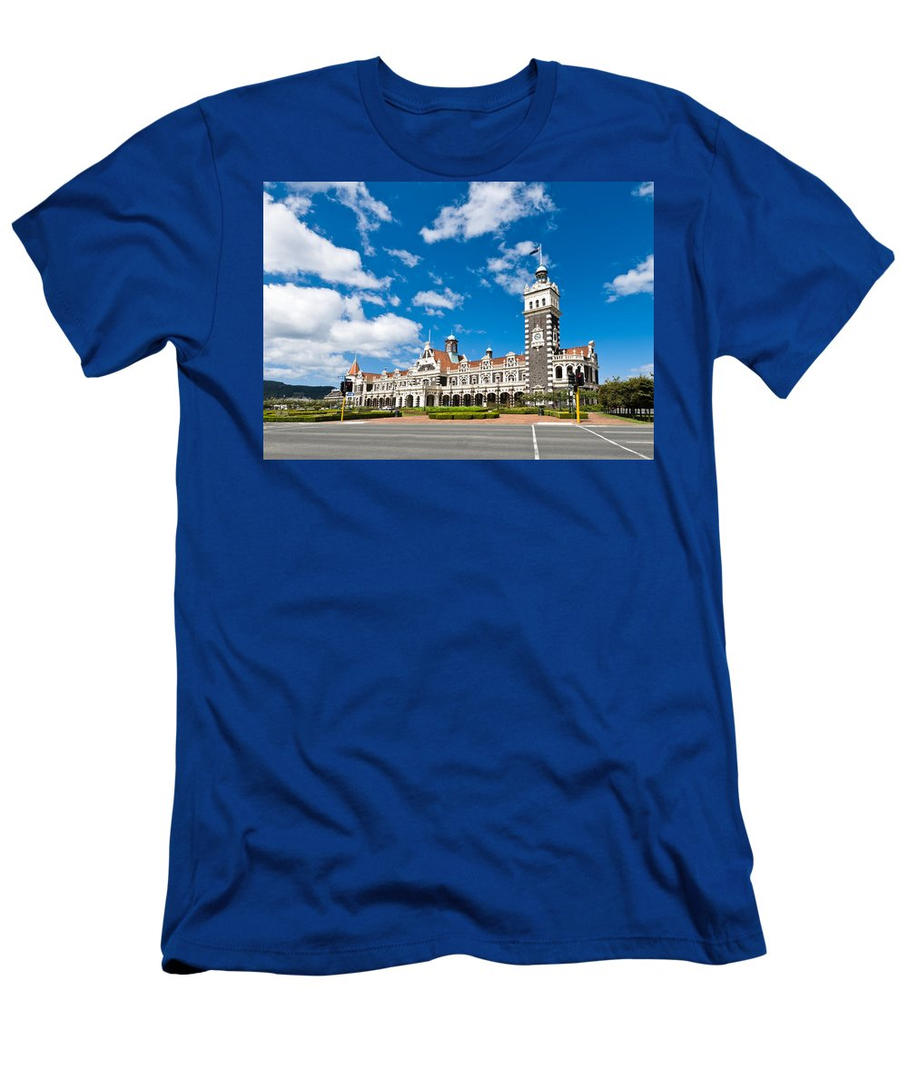 Arch Men's T-Shirt (Athletic Fit) featuring the photograph Dunedin Railway Station During A Sunny Day by U Schade