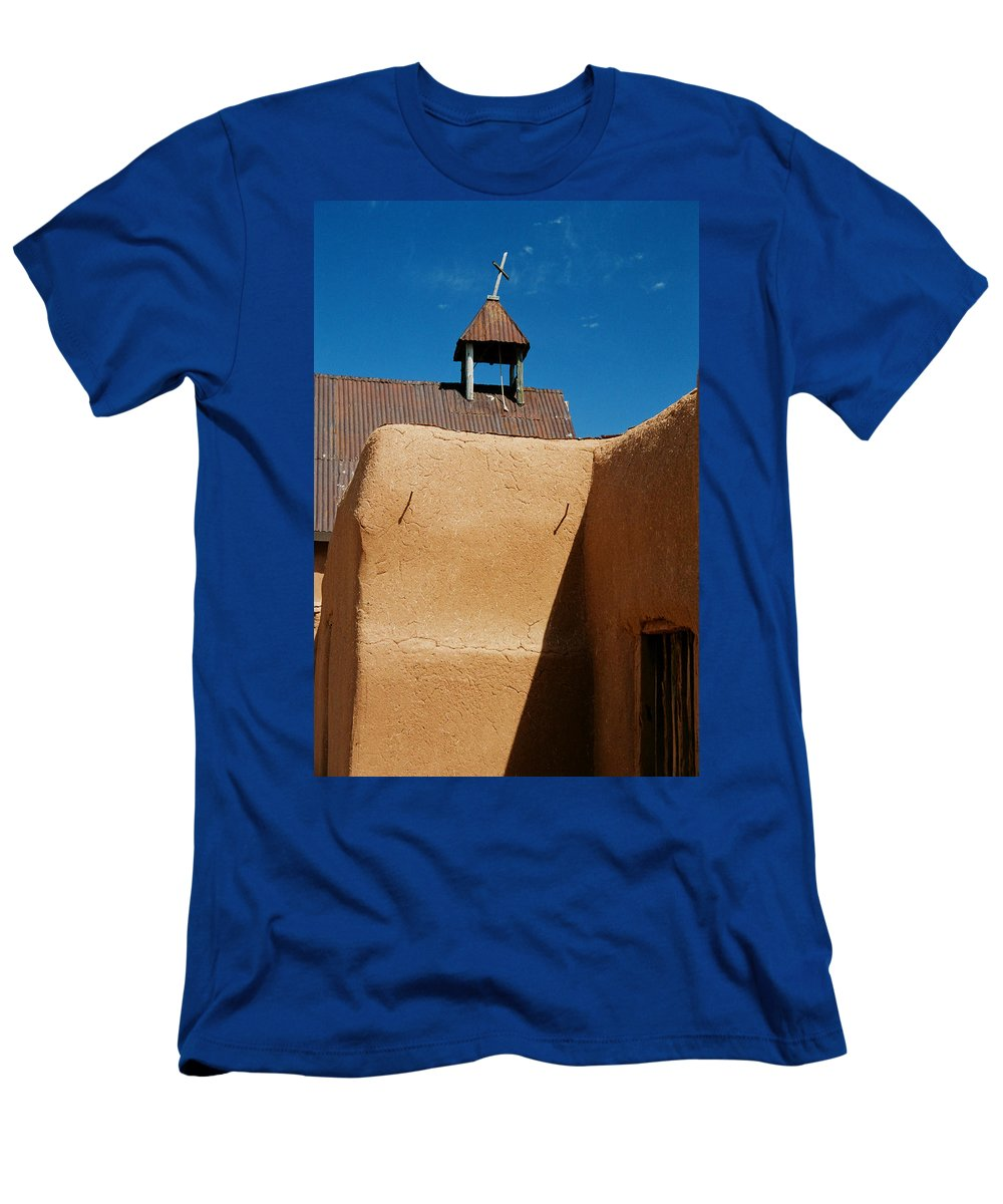 Santa Fe Men's T-Shirt (Athletic Fit) featuring the photograph Mission Wall by Ron Weathers