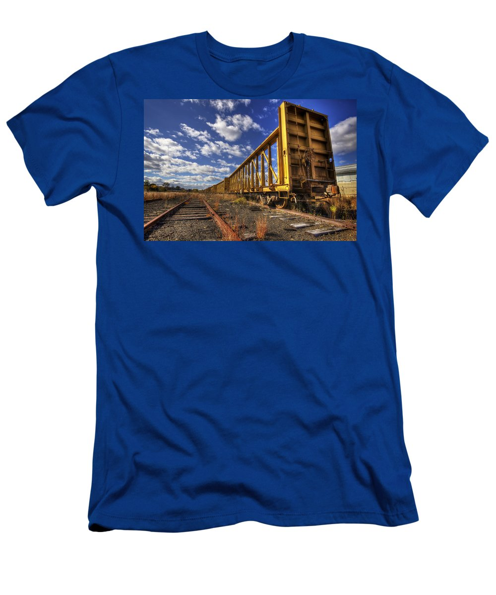 Portsmouth Men's T-Shirt (Athletic Fit) featuring the photograph Portsmouth Rail Cars by Eric Gendron
