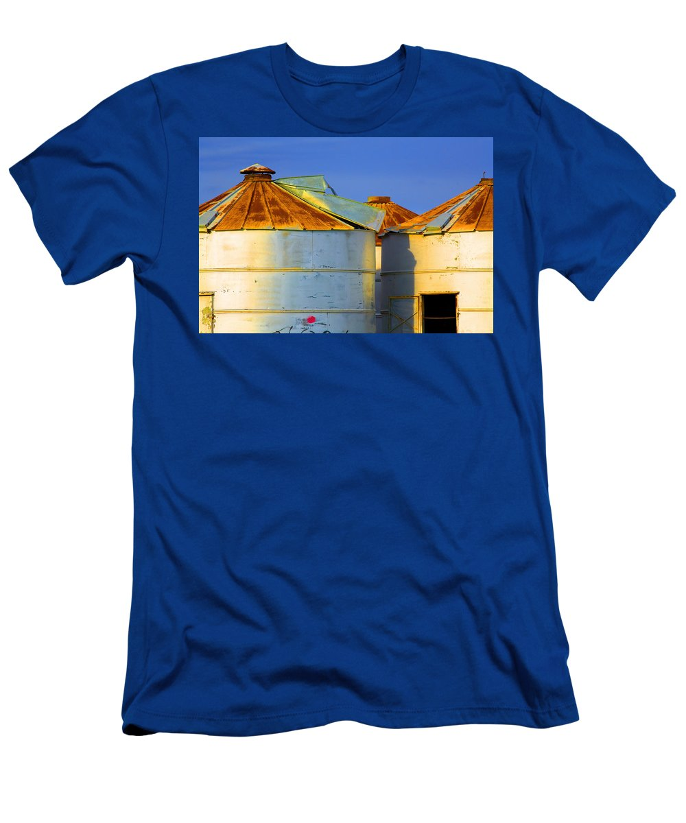 Farming Men's T-Shirt (Athletic Fit) featuring the photograph Rustic On The Blue by Mark Greenberg