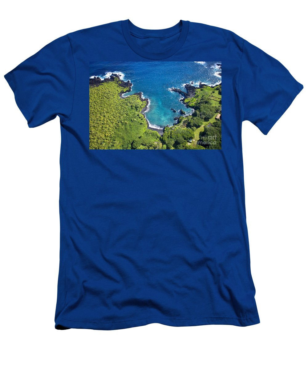 Aerial Men's T-Shirt (Athletic Fit) featuring the photograph Waianapanapa State Park by Ron Dahlquist - Printscapes