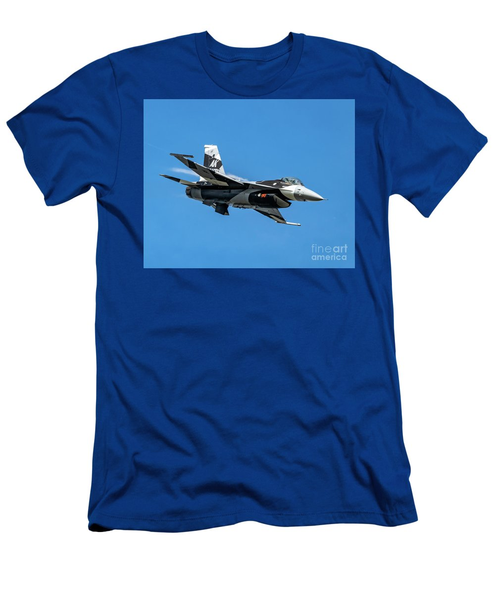 18th Aggressor Squadron Men's T-Shirt (Athletic Fit) featuring the photograph 18th Aggressor Sgn Viper Pulling Up Trailing Vapes by Joe Kunzler