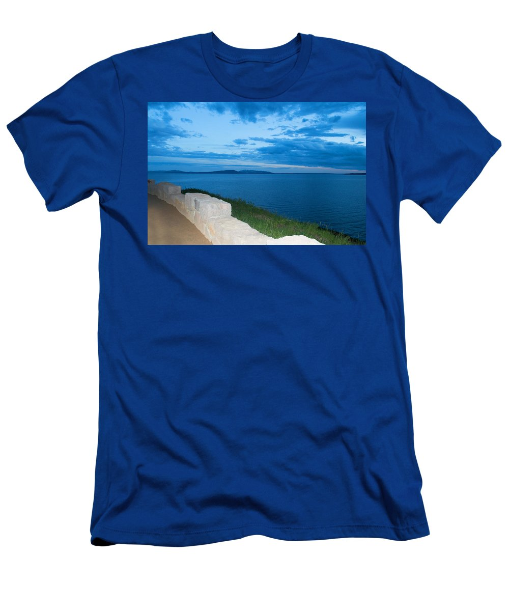 Clouds Men's T-Shirt (Athletic Fit) featuring the photograph Night Is Near by Linda Kerkau