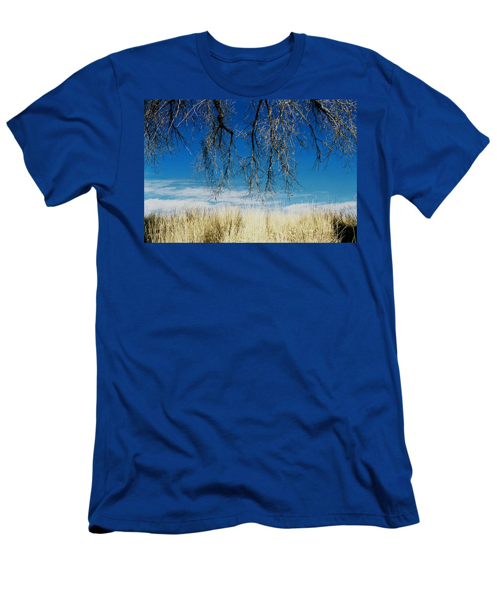 Nature Men's T-Shirt (Athletic Fit) featuring the photograph A Comfortable Place by Ric Bascobert