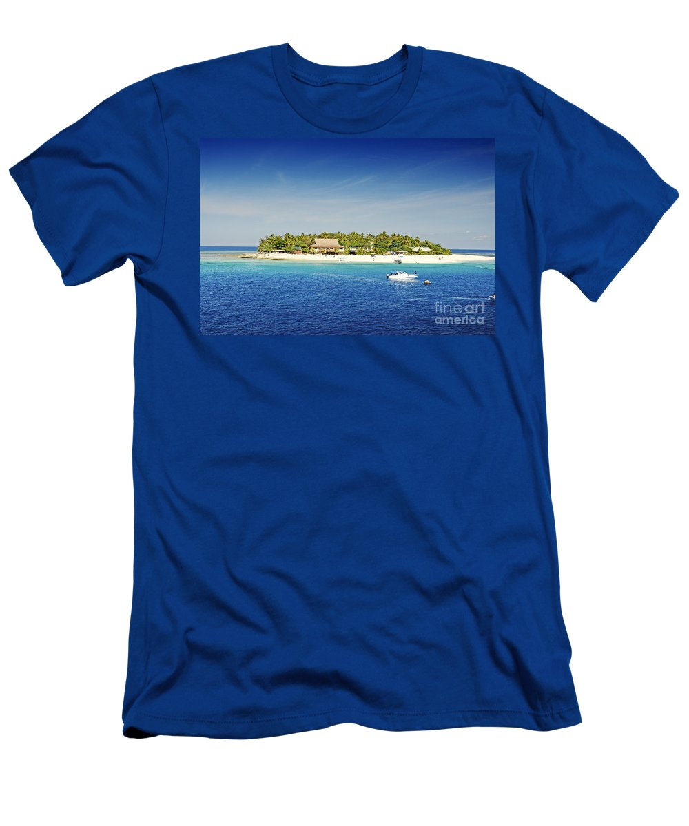 Afternoon Men's T-Shirt (Athletic Fit) featuring the photograph Beachcomber Island by Himani - Printscapes