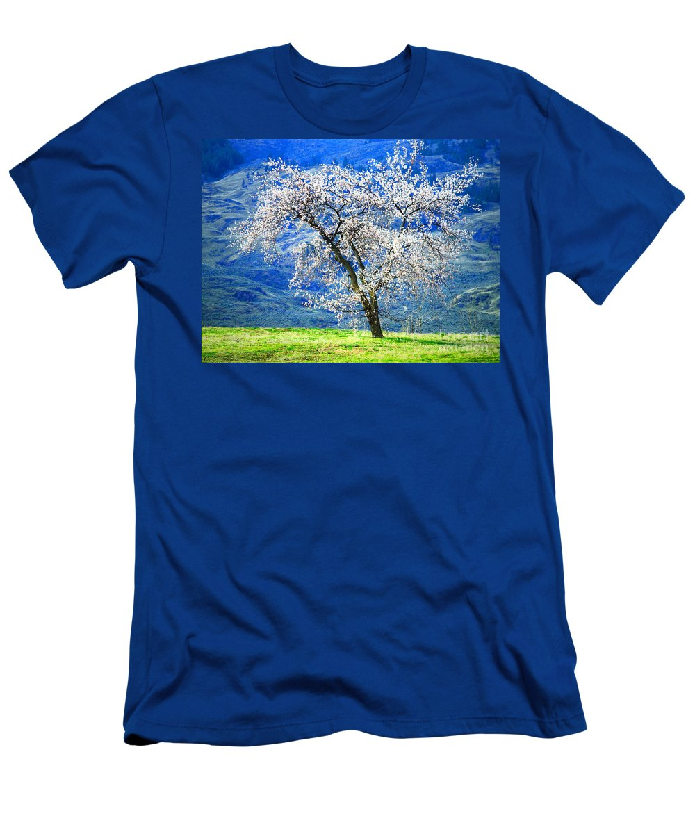 Tree Men's T-Shirt (Athletic Fit) featuring the photograph Blossoming by Tara Turner
