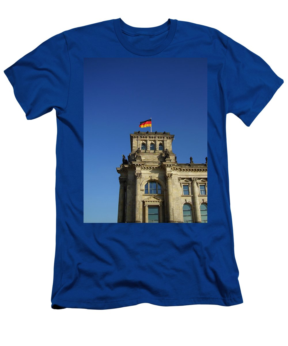 Deutscher Bundestag Men's T-Shirt (Athletic Fit) featuring the photograph Deutscher Bundestag II by Flavia Westerwelle