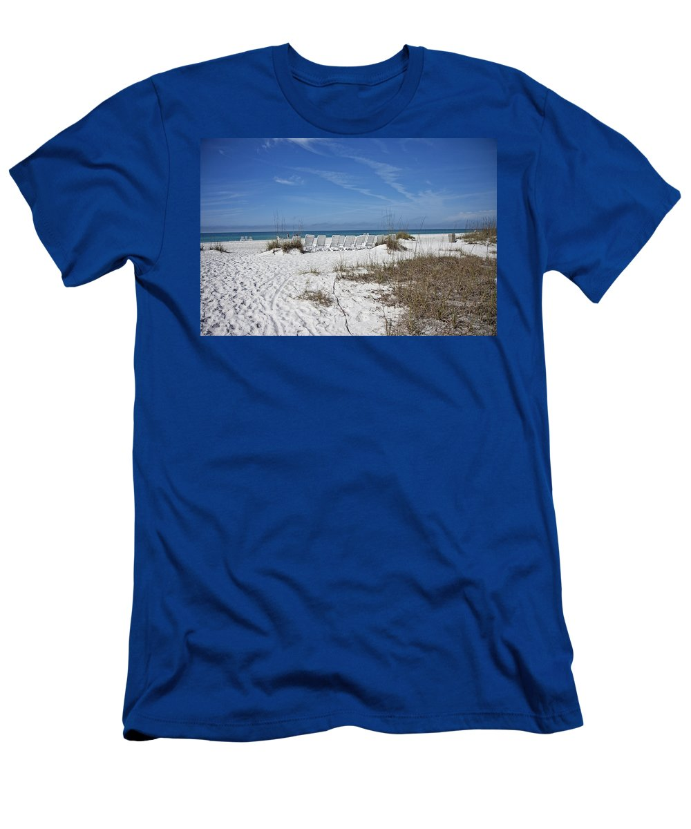 Florida Men's T-Shirt (Athletic Fit) featuring the photograph Finding Happiness by Betsy Knapp
