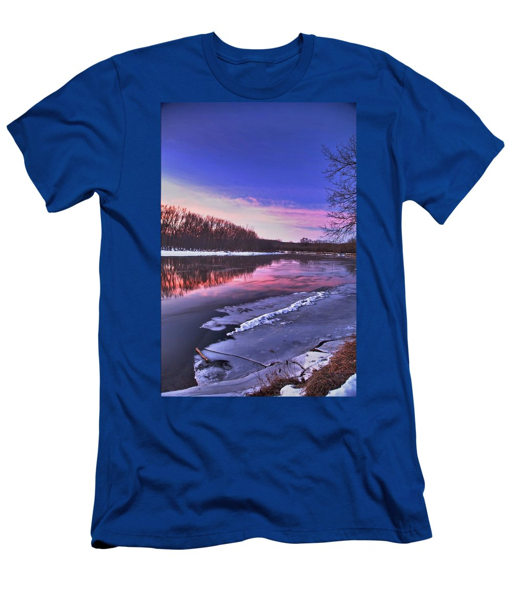 River Men's T-Shirt (Athletic Fit) featuring the photograph First Light by Robert Pearson