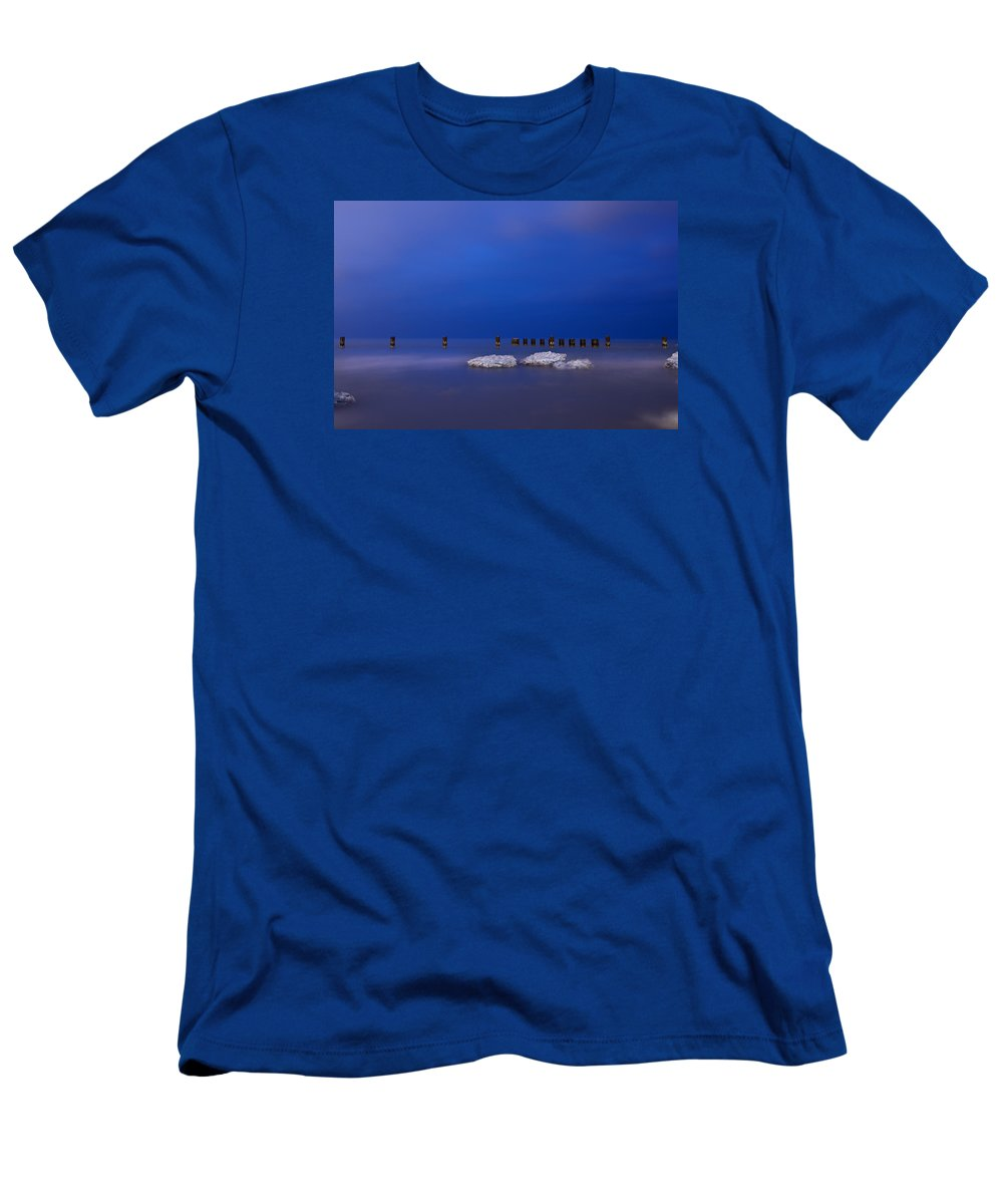 Winter Men's T-Shirt (Athletic Fit) featuring the photograph Lake Ice Chicago by Steve Gadomski