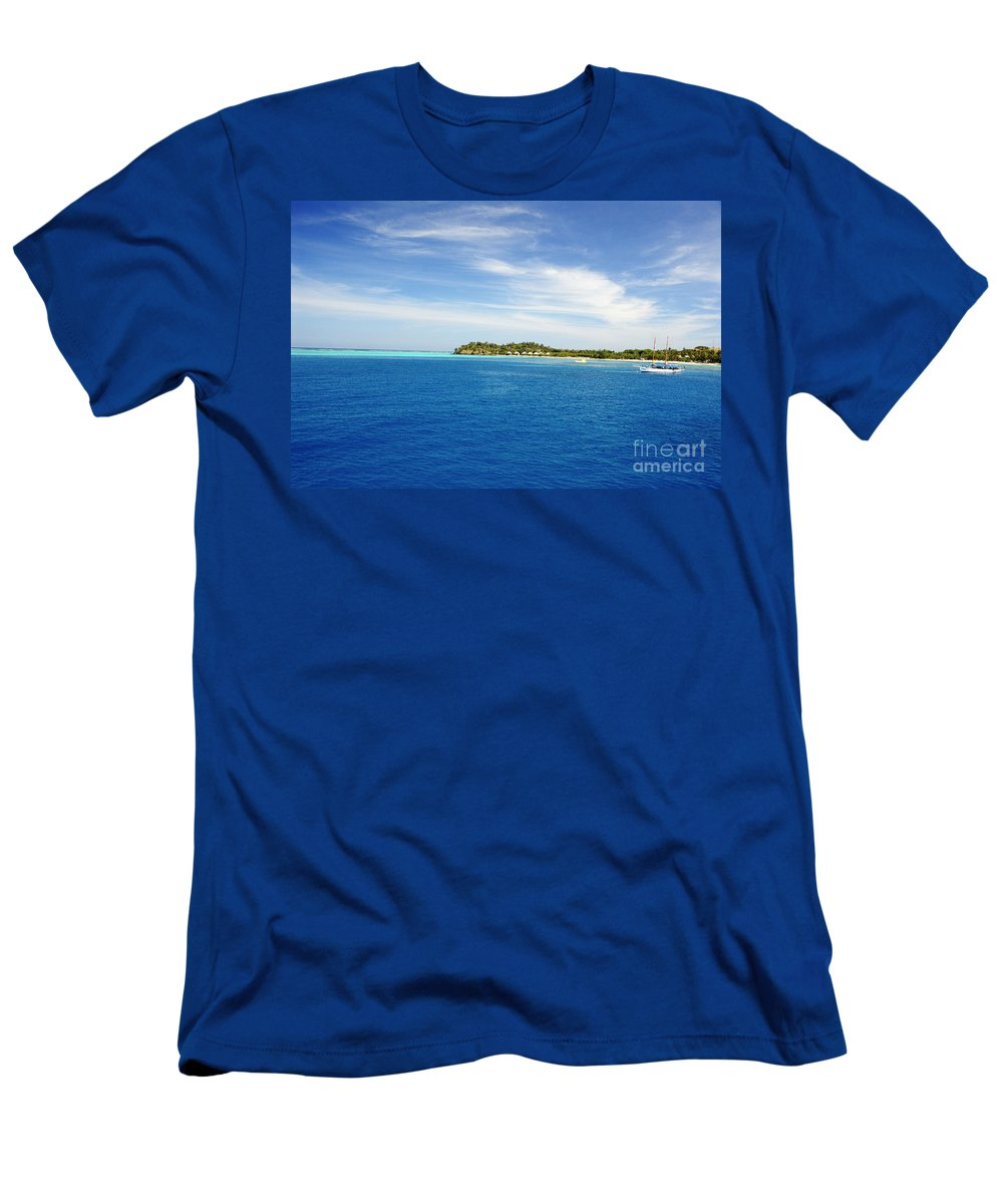 Afternoon Men's T-Shirt (Athletic Fit) featuring the photograph Mana Island by Himani - Printscapes