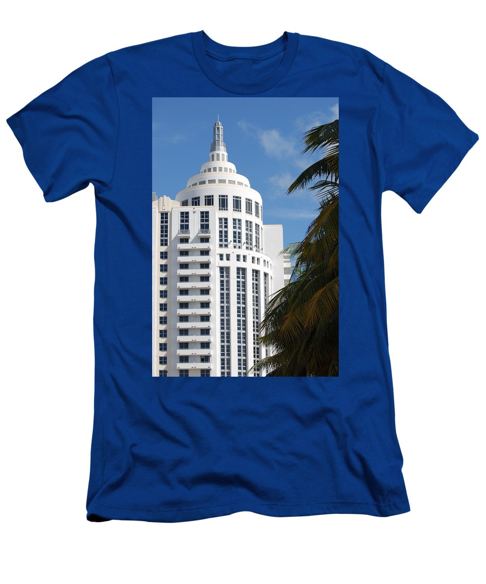 Architecture Men's T-Shirt (Athletic Fit) featuring the photograph Miami S Capitol Building by Rob Hans