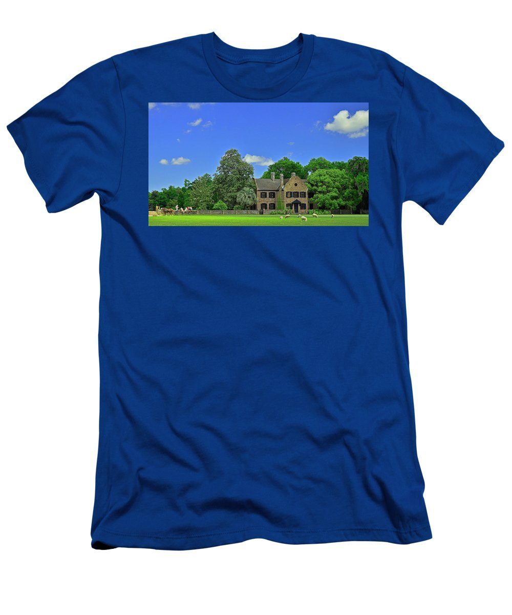 Sc Men's T-Shirt (Athletic Fit) featuring the photograph Middleton Place Plantation by Allen Beatty