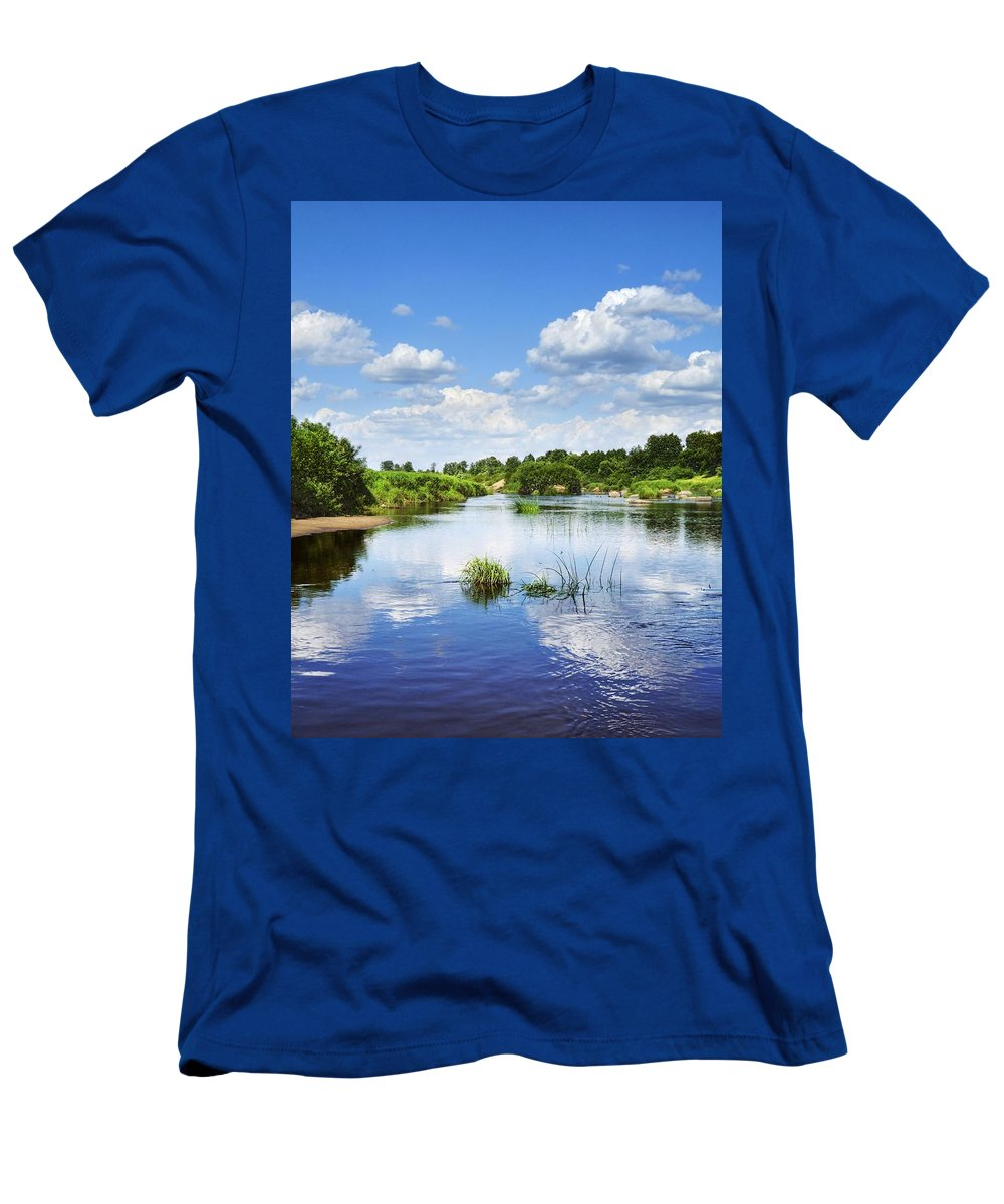 Landscape Men's T-Shirt (Athletic Fit) featuring the photograph Sunday River by Vadzim Kandratsenkau