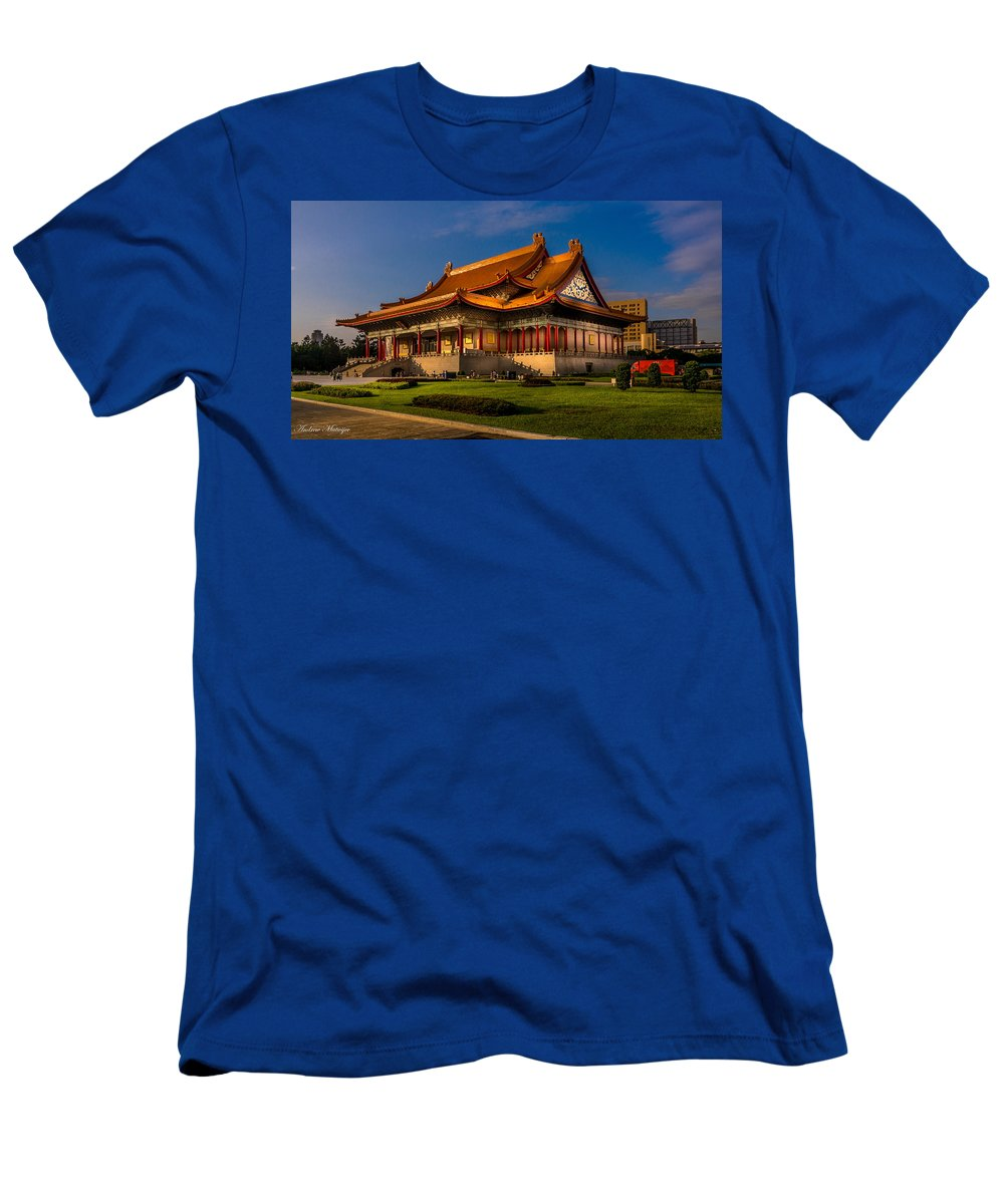 Building Men's T-Shirt (Athletic Fit) featuring the photograph The Hall by Andrew Matwijec