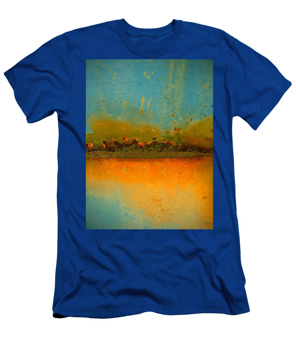 Urban Men's T-Shirt (Athletic Fit) featuring the photograph The Horizon by Tara Turner