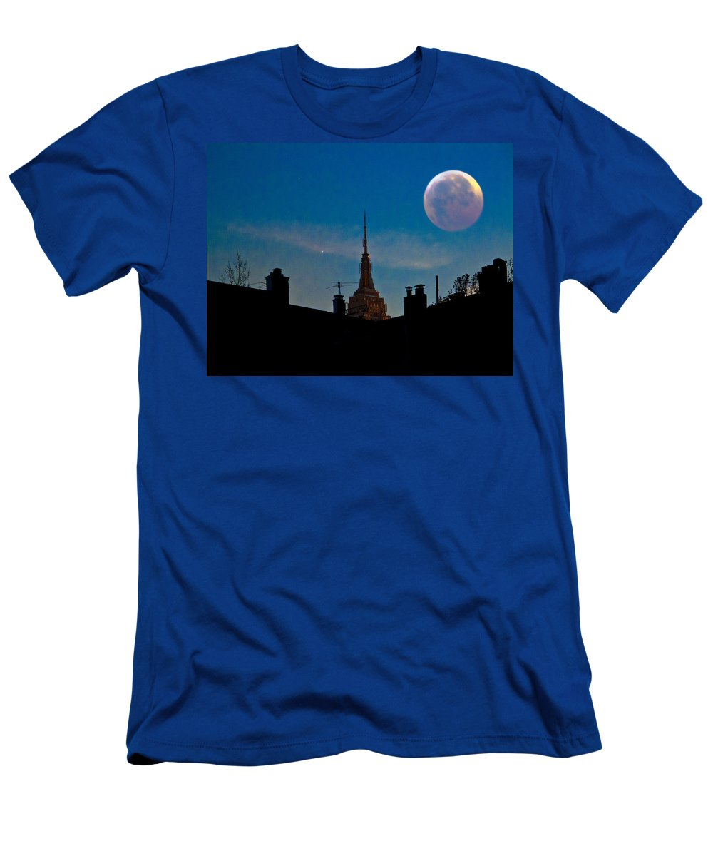 New York Men's T-Shirt (Athletic Fit) featuring the photograph Twilight Time In The City by Chris Lord