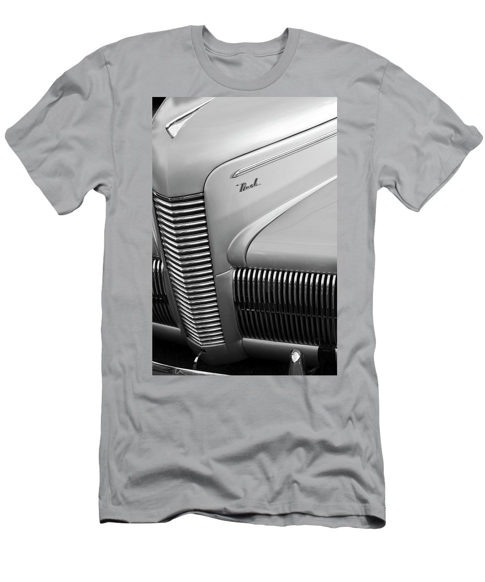 1940 Chevrolet Nash Men's T-Shirt (Athletic Fit) featuring the photograph 1940 Nash Grille by Jill Reger