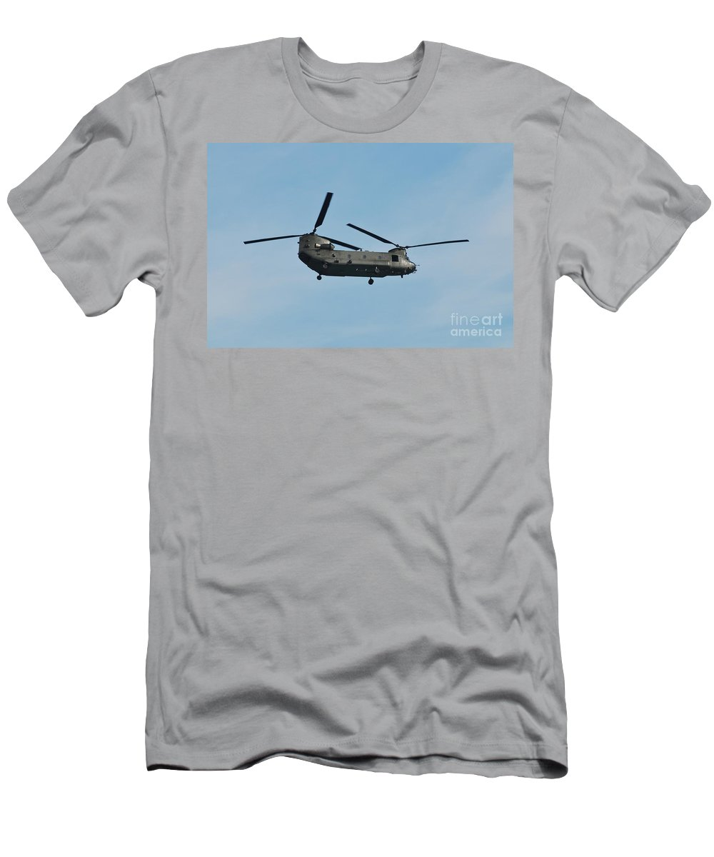 Chinook Men's T-Shirt (Athletic Fit) featuring the photograph Chinook Hc2 Helicopter by David Fowler