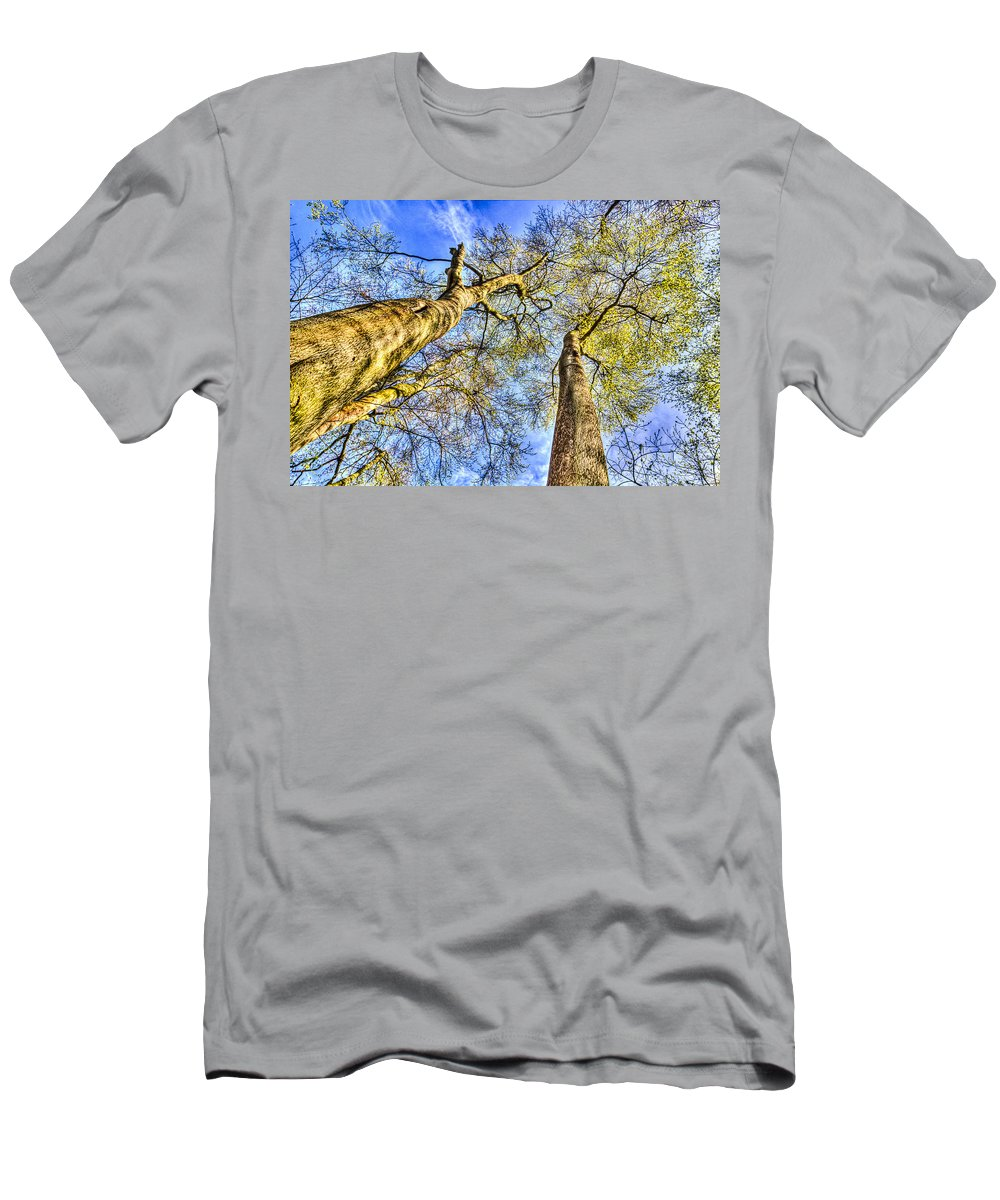Forest Men's T-Shirt (Athletic Fit) featuring the photograph Into The Sky by David Pyatt