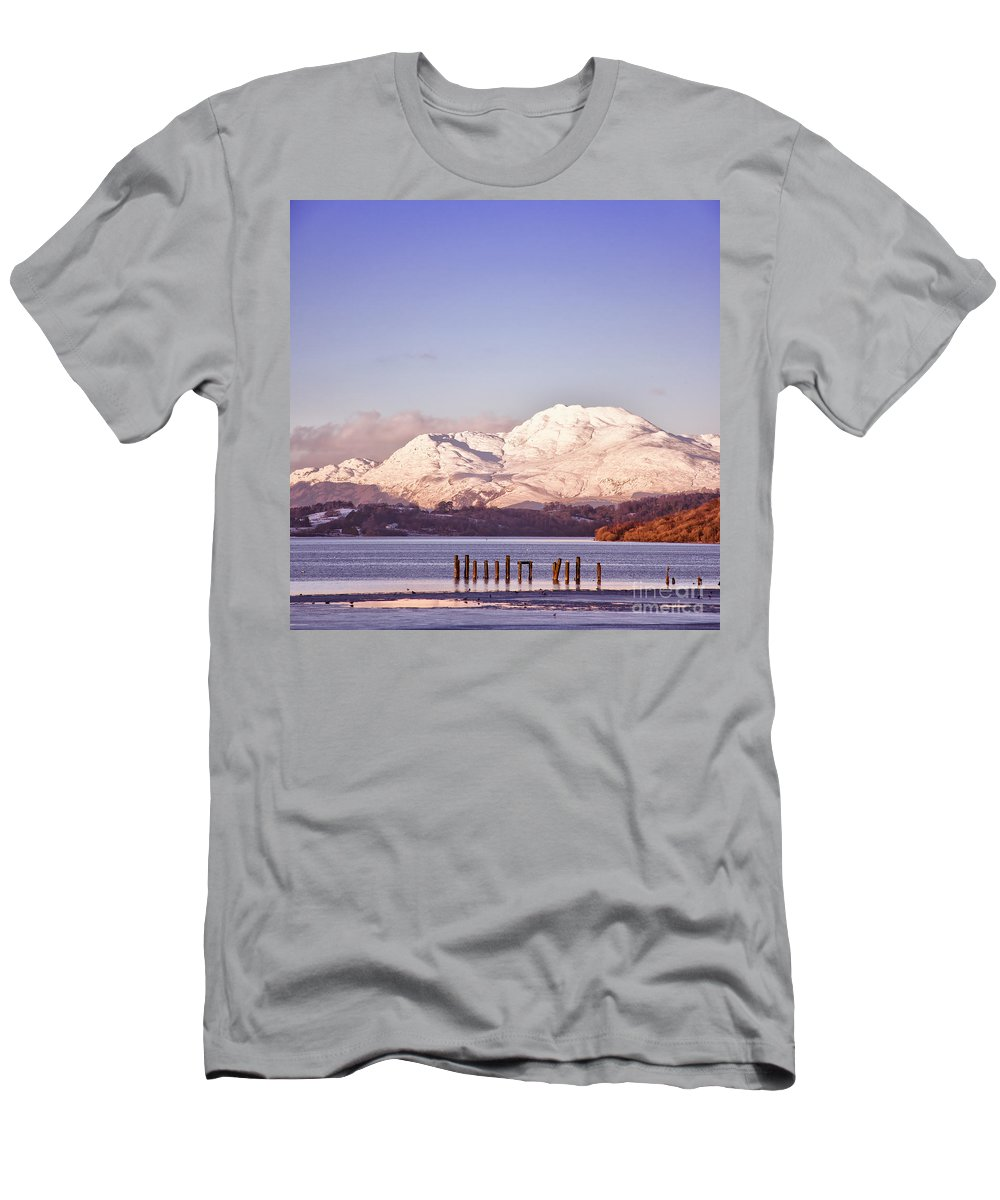Balloch Men's T-Shirt (Athletic Fit) featuring the photograph Loch Lomond 02 by Antony McAulay