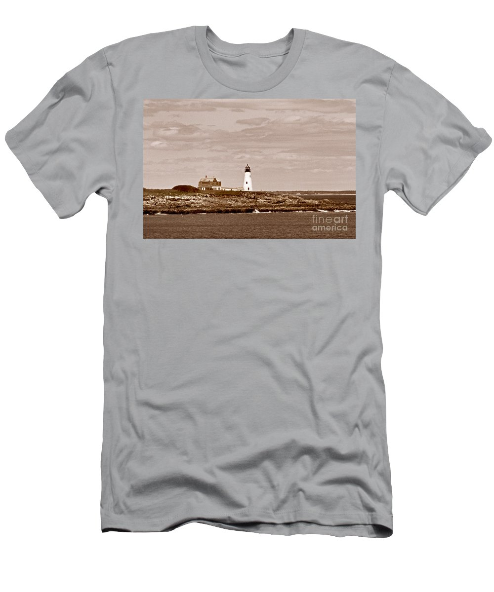 Lighthouses Men's T-Shirt (Athletic Fit) featuring the photograph Wood Island Lighthouse by Skip Willits