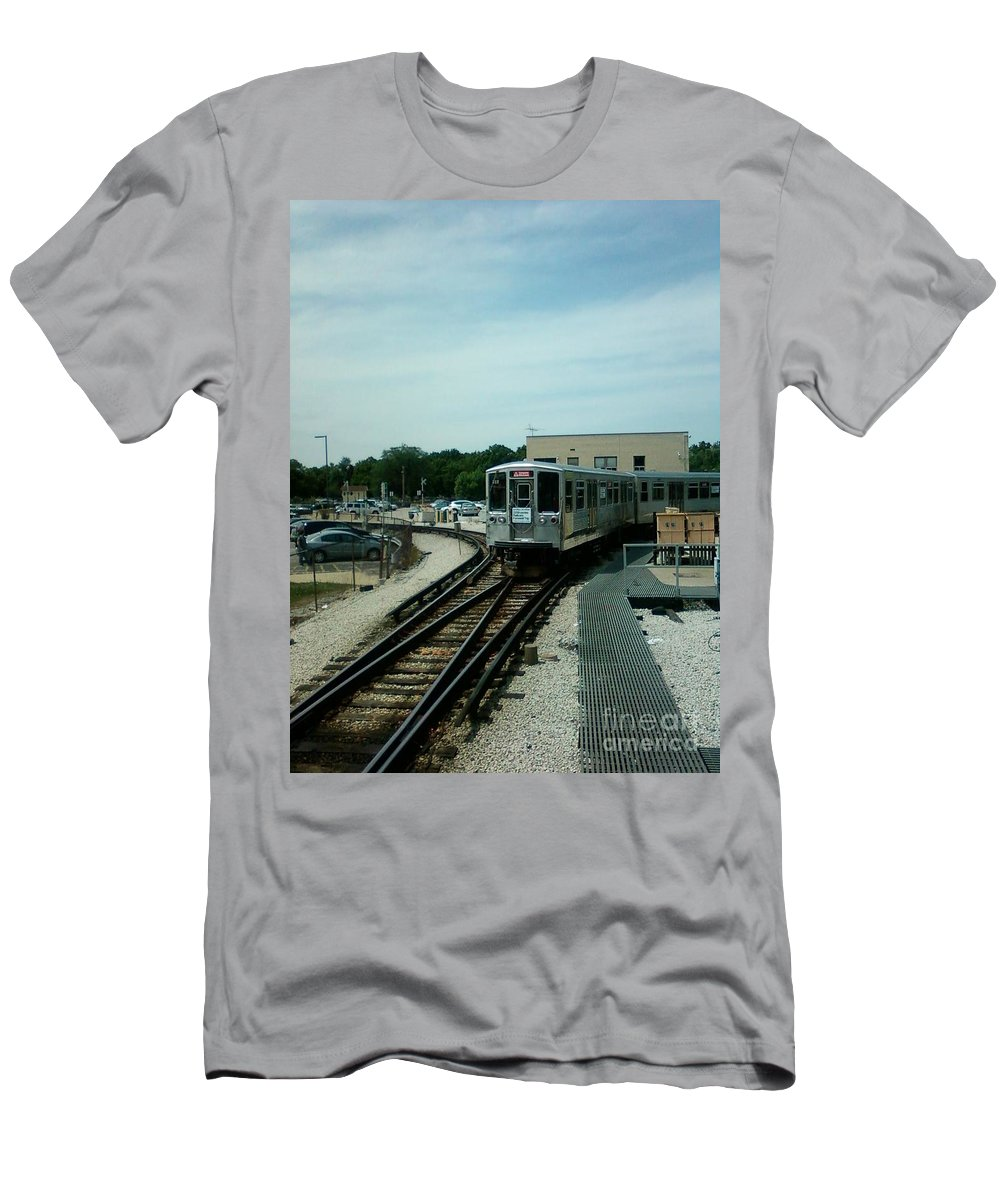Illinois Men's T-Shirt (Athletic Fit) featuring the photograph Cta's Retired 2200-series Railcar by Alfie Martin