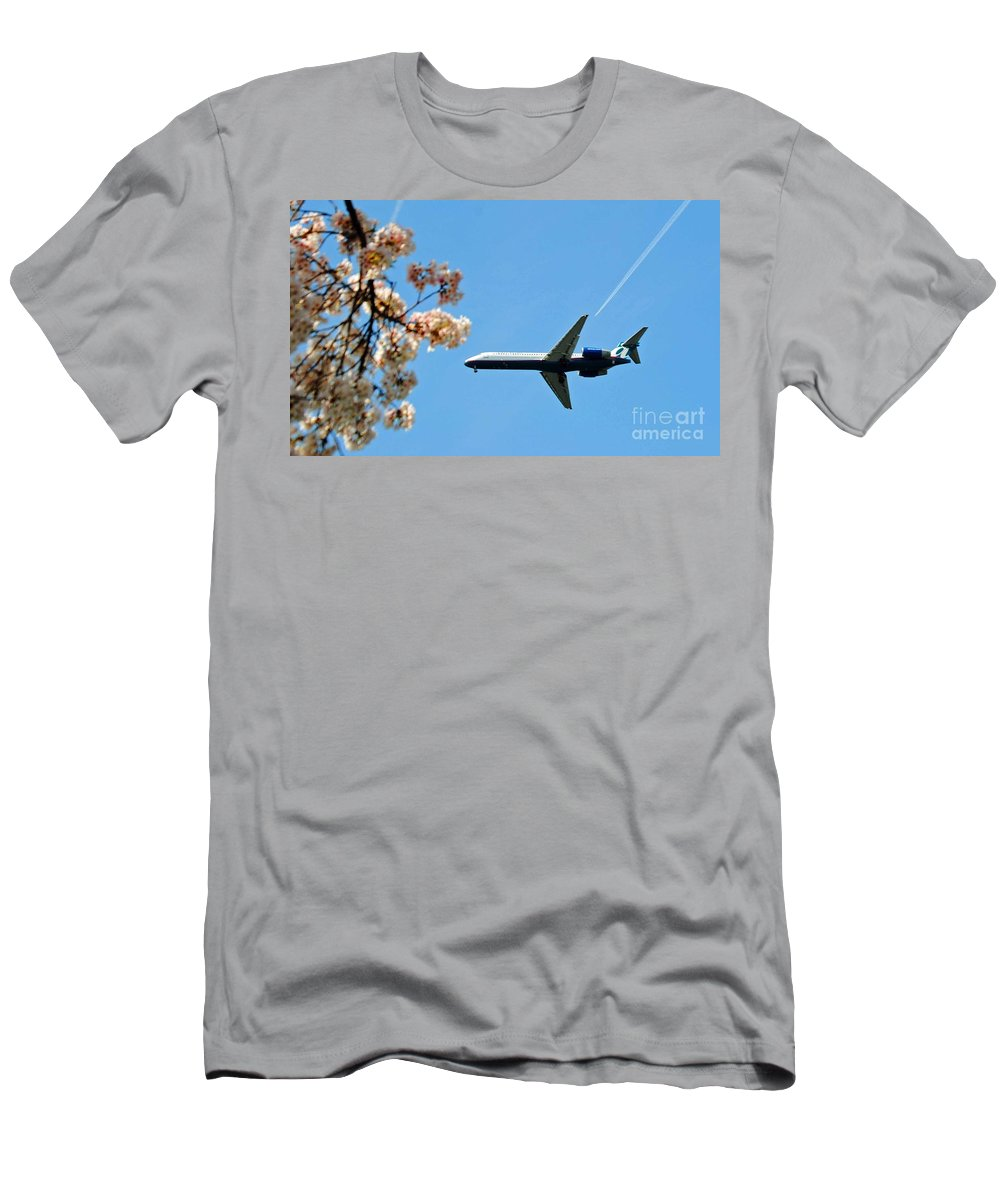 Tran Men's T-Shirt (Athletic Fit) featuring the photograph Air Tran Airlines by Jost Houk