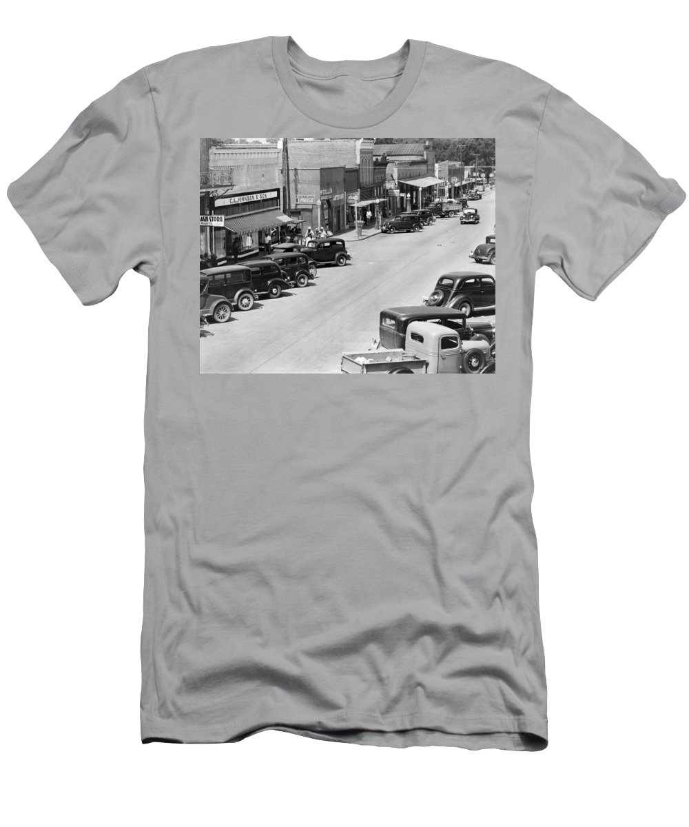 1935 Men's T-Shirt (Athletic Fit) featuring the photograph Alabama Town, C1935 by Granger
