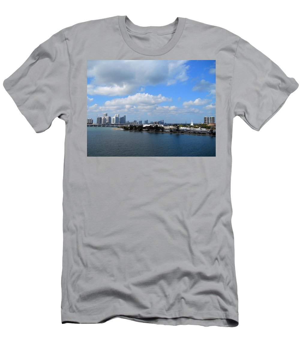 Florida Men's T-Shirt (Athletic Fit) featuring the photograph Approaching Miami by Judy Hall-Folde
