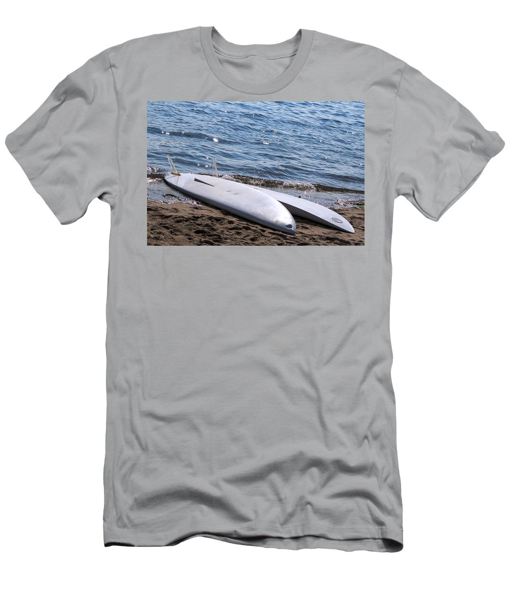 Sandy Men's T-Shirt (Athletic Fit) featuring the photograph At Rest by Pablo Rosales