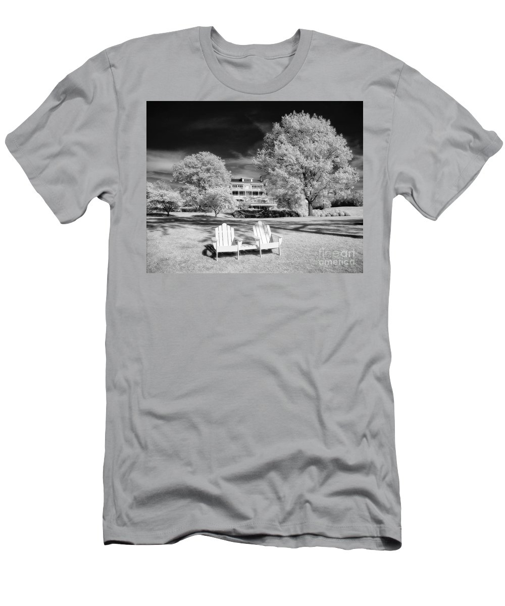 Ir Men's T-Shirt (Athletic Fit) featuring the photograph Aurora Inn by Claudia Kuhn